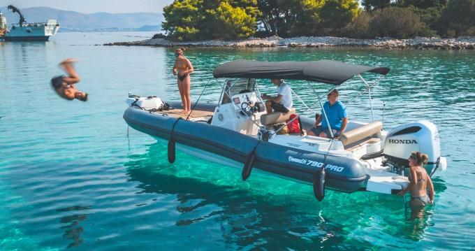 Location Semi-rigide à Trogir - Marlin Boat 790 PRO BLACK EDITION UNIQUE