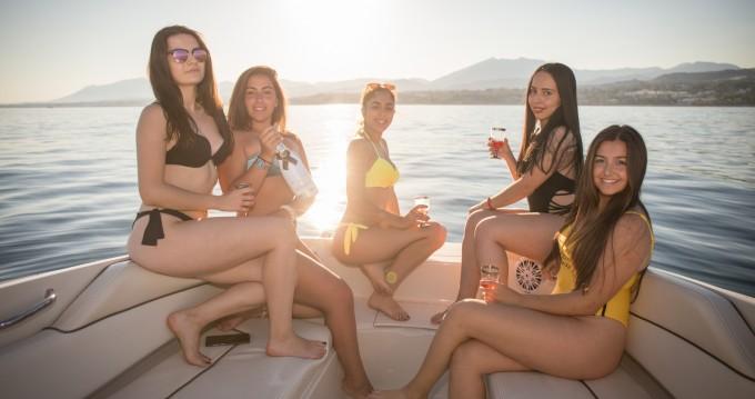 Bateau à moteur à louer à Marbella au meilleur prix