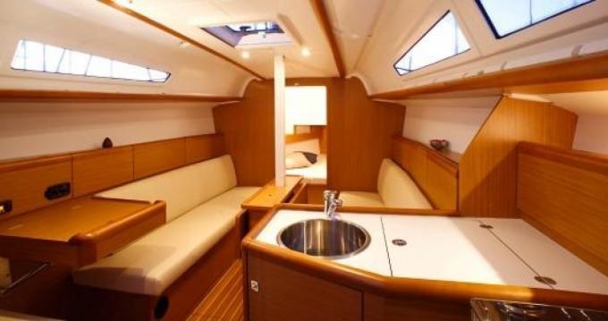 Location yacht à San Vincenzo - Jeanneau Sun Odyssey 33i sur SamBoat