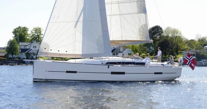 Location bateau Dufour Dufour 412 à Vieux-Port de Marseille sur Samboat