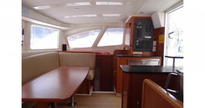 Louer Catamaran avec ou sans skipper Robertson and Caine à Ajaccio