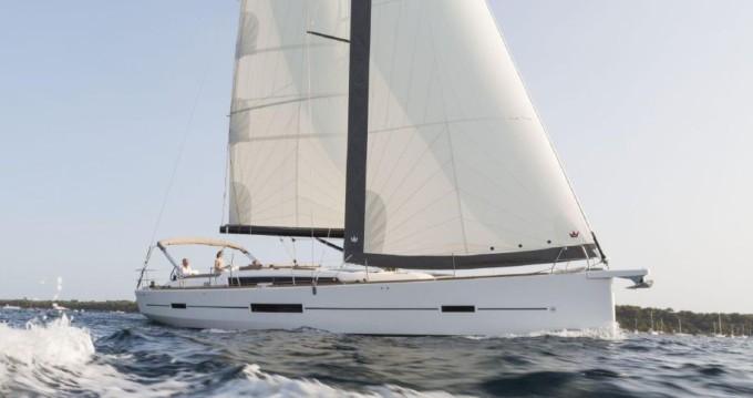 Dufour Dufour 520 Grand Large entre particuliers et professionnel à Saint-Mandrier-sur-Mer