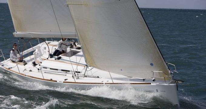 Location bateau San Vincenzo pas cher First 40.7