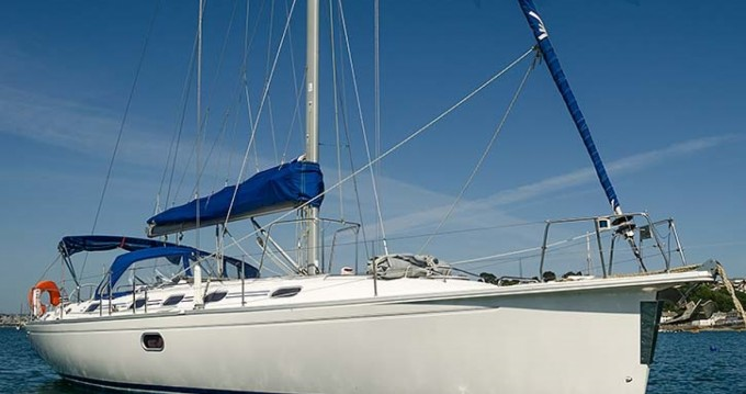 Location bateau Saint-Laurent-du-Var pas cher Dufour 430