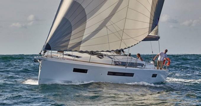 Location bateau Jeanneau Sun Odyssey 490 à Skiathos sur Samboat