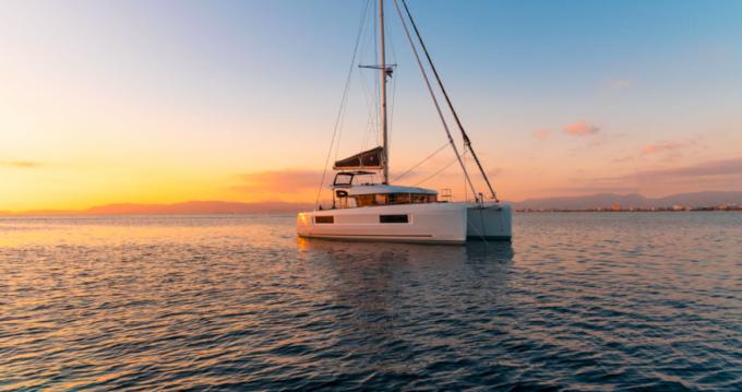 Catamaran à louer à Villasimius au meilleur prix