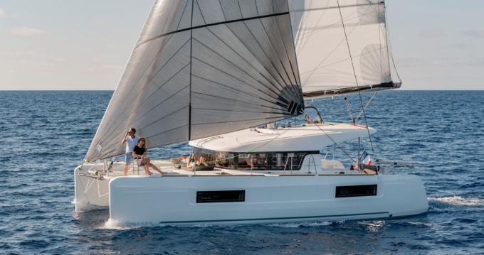 Louer Catamaran avec ou sans skipper Lagoon à Villasimius