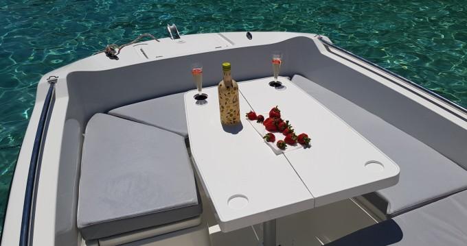 V2 BOATS 5.0 SPORT entre particuliers et professionnel à Port d'Andratx