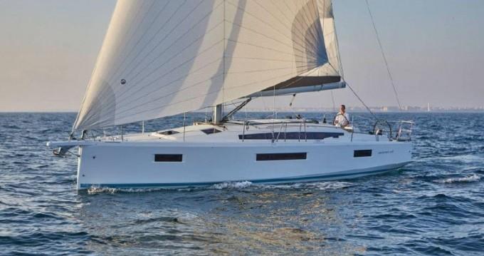 Louer Voilier avec ou sans skipper Jeanneau à Marina di Portorosa