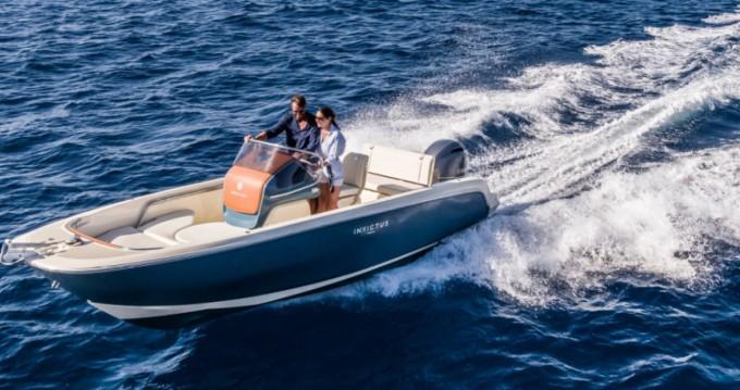 Location bateau Cala d'Or pas cher Invictus 200 FX