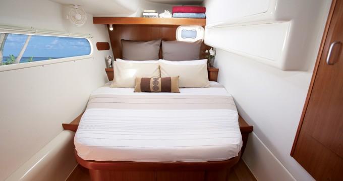 Catamaran à louer à Capo d'Orlando au meilleur prix