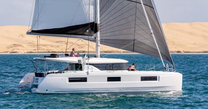 Location bateau Marina di Portorosa pas cher Lagoon 46