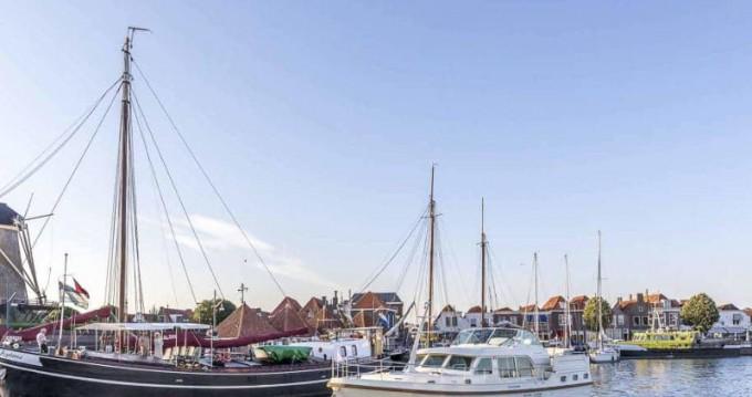 Louez un Linssen Linssen Grand Sturdy 45.0 AC à Willemstad