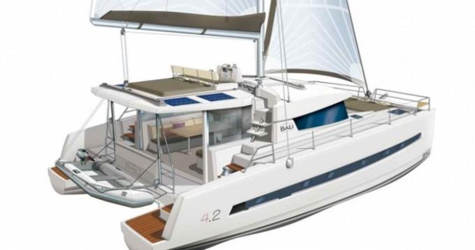 Louer Catamaran avec ou sans skipper Catana à Álimos