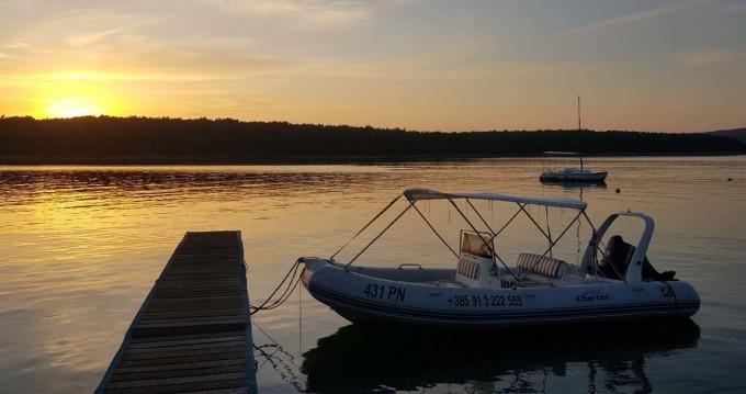 Location bateau Punat pas cher Zodiac Madline 2