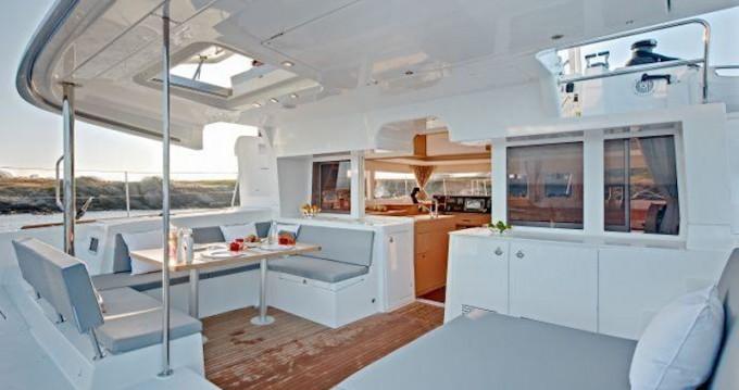 Catamaran à louer à Paros au meilleur prix