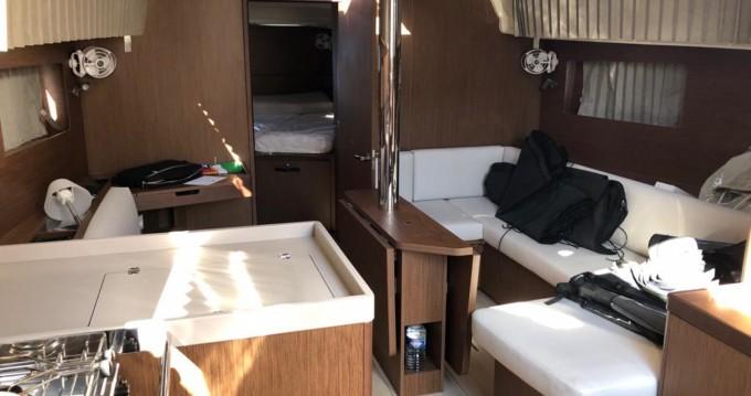 Louez un Bénéteau Oceanis 41.1 à Vibo Valentia Marina
