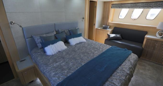 Location Yacht à Canet-en-Roussillon - Sunseeker Predator 82