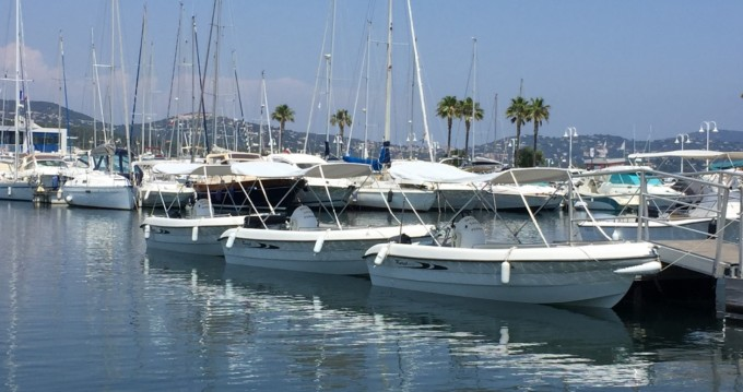 Location yacht à Cavalaire-sur-Mer - Karel V160 sur SamBoat