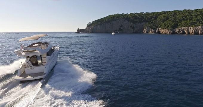Louer Bateau à moteur avec ou sans skipper Jeanneau à Dubrovnik