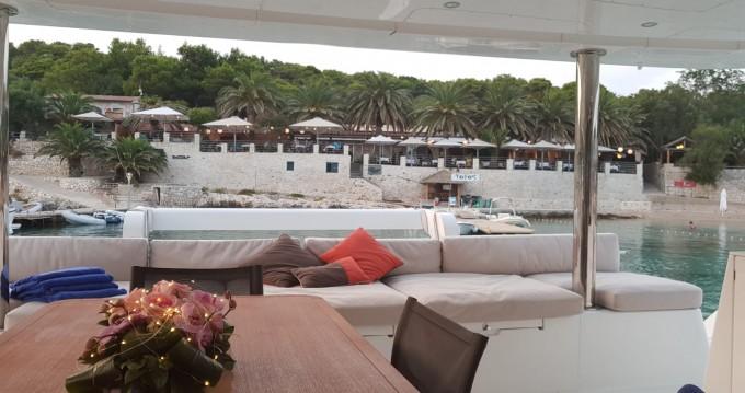 Location bateau Athènes pas cher Lagoon 560 S2