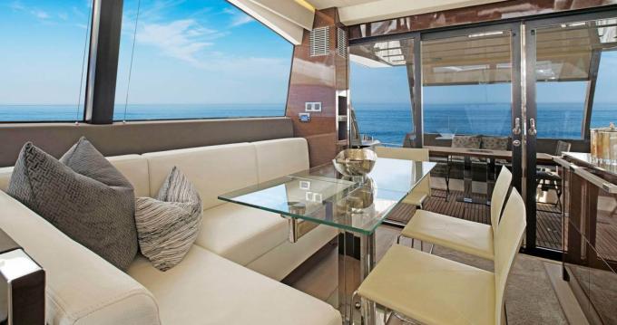 Location bateau Corse du Sud pas cher Prestige 680