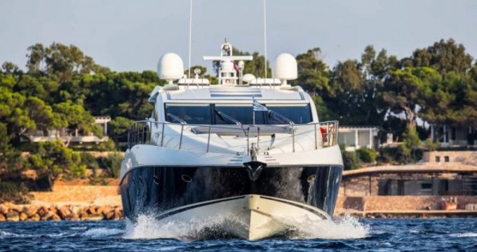 Louer Yacht avec ou sans skipper Sunseeker à Ajaccio