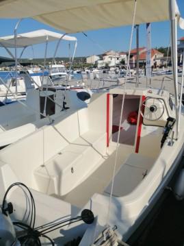 Louer Bateau à moteur avec ou sans skipper Ven à Trogir