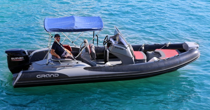 Louer Semi-rigide avec ou sans skipper Grand Boats à Cassis