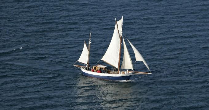 Louer Voilier avec ou sans skipper Iroko-Et-Chene à Granville