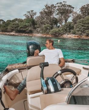 Louer Bateau à moteur avec ou sans skipper Clear à Cannes