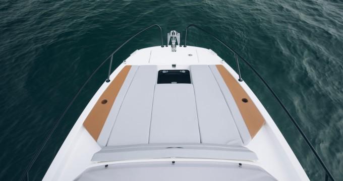 Location bateau Bénéteau Flyer 7 SUNdeck à Hyères sur Samboat