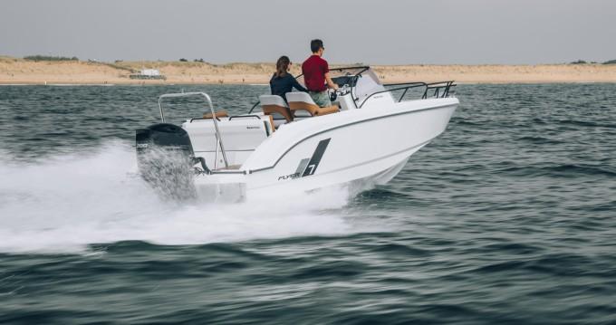 Location bateau Hyères pas cher Flyer 7 SUNdeck