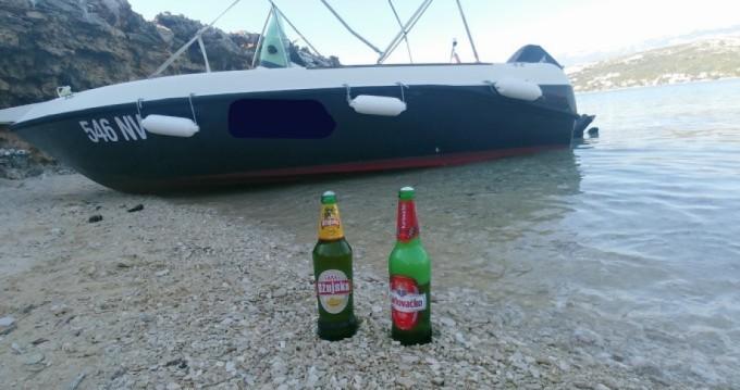 Location bateau Elan Elan 17 CC à Stara Novalja sur Samboat