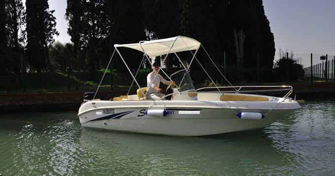 Louer Bateau à moteur avec ou sans skipper Saver à Jesolo
