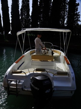 Location bateau Jesolo pas cher OPEN 550