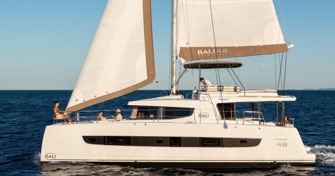 Louer Catamaran avec ou sans skipper Bali Catamarans à Port de Lefkada