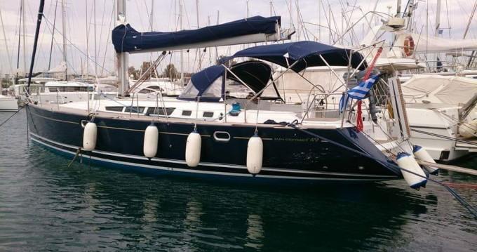 Louer Voilier avec ou sans skipper Jeanneau à Le Pirée