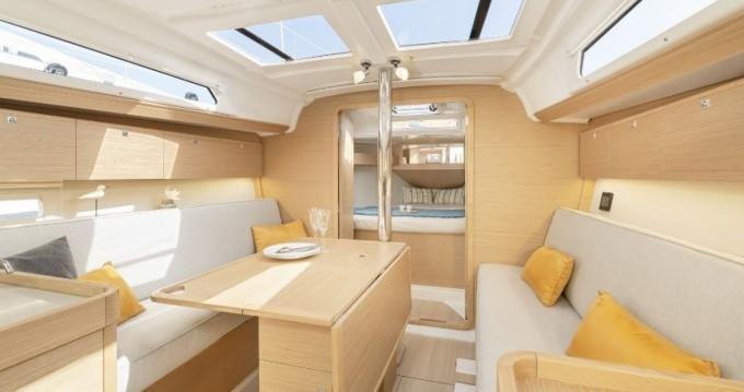 Location bateau Hyères pas cher Dufour 360 Grand Large