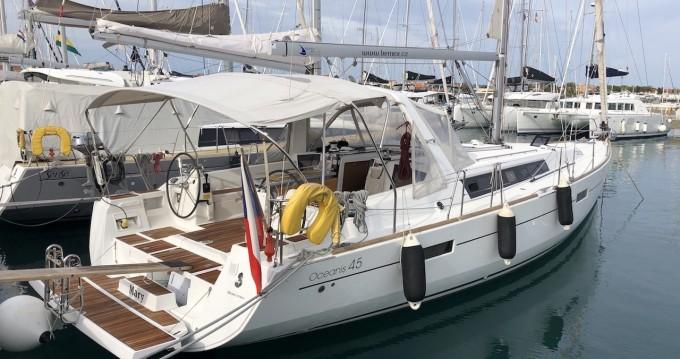 Louez un Bénéteau Oceanis 45 à Puerto Deportivo Marina Isla Canela