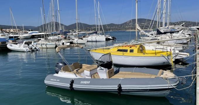 Location bateau Cogolin pas cher soleil 20