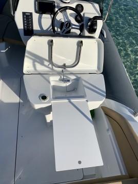 Louer Semi-rigide avec ou sans skipper Salpa à Pietrosella