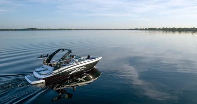 Location bateau Régal Regal 1900 RS à Lignano Sabbiadoro sur Samboat