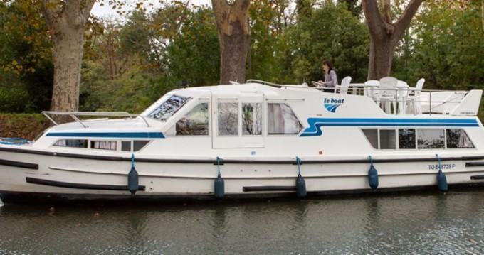 Louer Péniche avec ou sans skipper Continentale à Messac