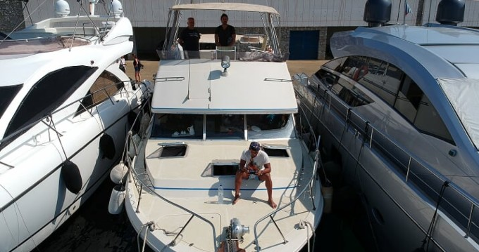 Louez un Bayliner Bodega 43 à Mykonos (Île)