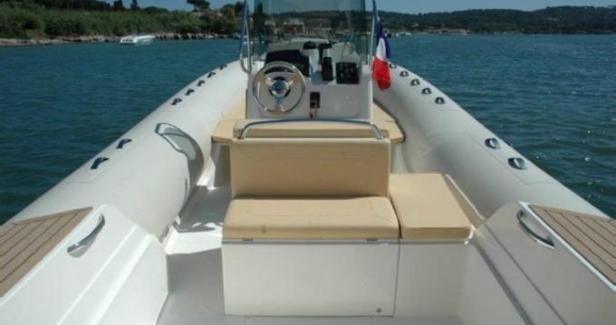 Location bateau Capelli Tempest 770 à Cavalaire-sur-Mer sur Samboat