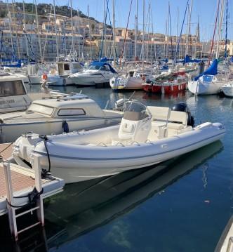 Louer Semi-rigide avec ou sans skipper Nuova Jolly à Sète