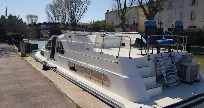 Louer Péniche avec ou sans skipper nautilia à Narbonne