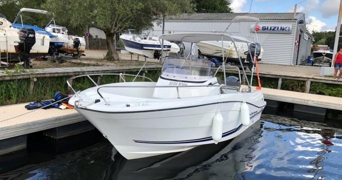 Louez un Jeanneau Cap Camarat 6.5 CC Serie 3 à Puerto Deportivo de Baiona