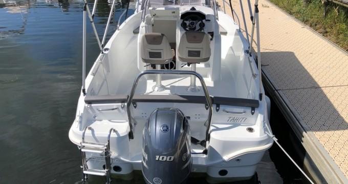 Louez un Jeanneau Cap Camarat 5.5 CC Serie 2 Style à Puerto Deportivo de Baiona